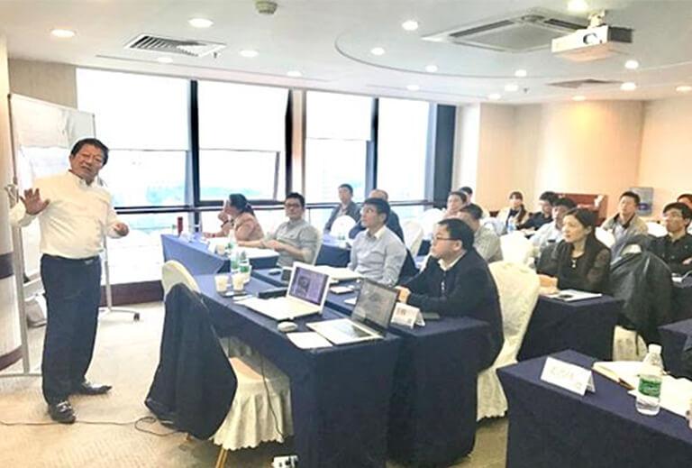 中国上海での公開講座の様子